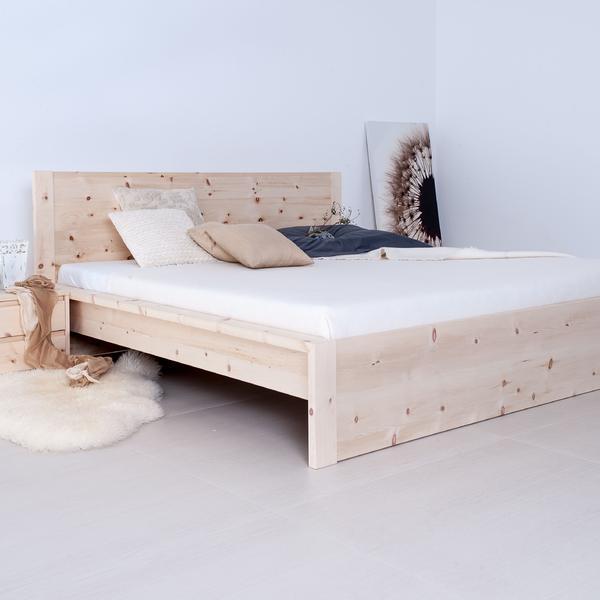 Bett in Zirbe für Ihren erholsamen Schlaf